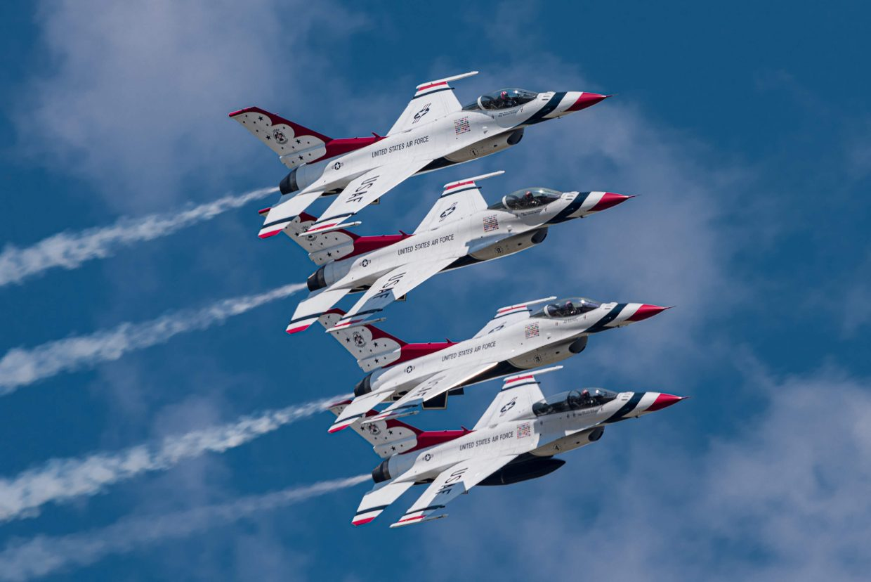 USAF Thunderbirds Echelon Left Formation